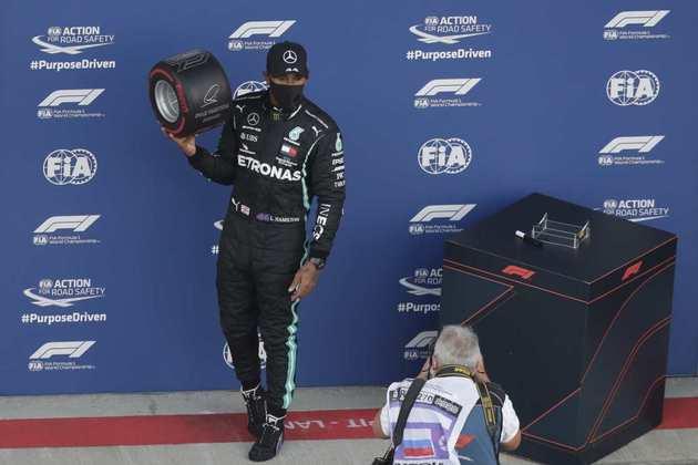 Foi a 96ª pole de Lewis Hamilton na Fórmula 1, ampliando ainda mais o recorde na categoria