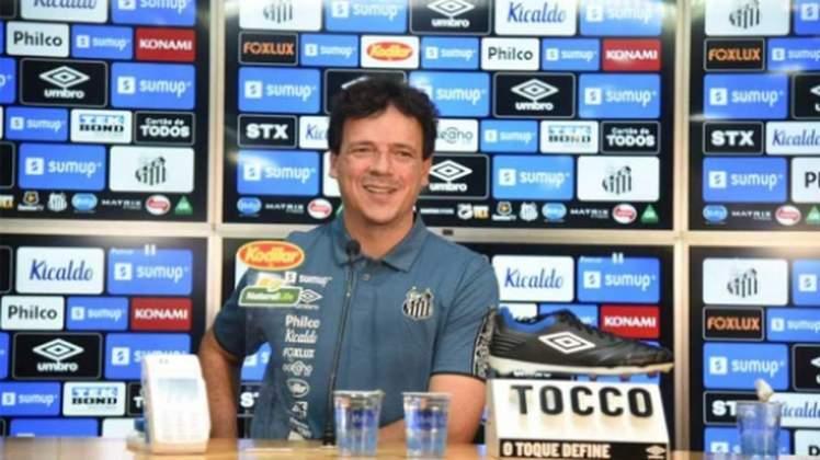 Foi anunciado como técnico do Santos em maio desse ano após a saída de Ariel Holán. oito jogos, com quatro vitórias, três derrotas e um empate.