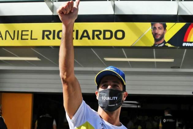 Foi boa, Ricciardo! Australiano recuperou-se de erros e pontuou novamente