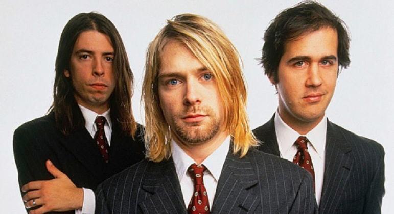 Foi na escola Aberdeen High que Kurt Cobain e Krist Novoselic se encontraram pela primeira vez. Eles se tornaram amigos durante ensaios musicais e a ideia de Kurt era formar uma banda, porém Krist não dava respostas às suas tentativas. Foi apenas três anos depois que Novoselic aceita a proposta de formarem um grupo musical juntos.