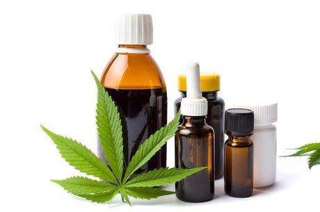 A Anvisa autorizou o uso terapêutico de canabidiol em janeiro de 2015 no Brasil