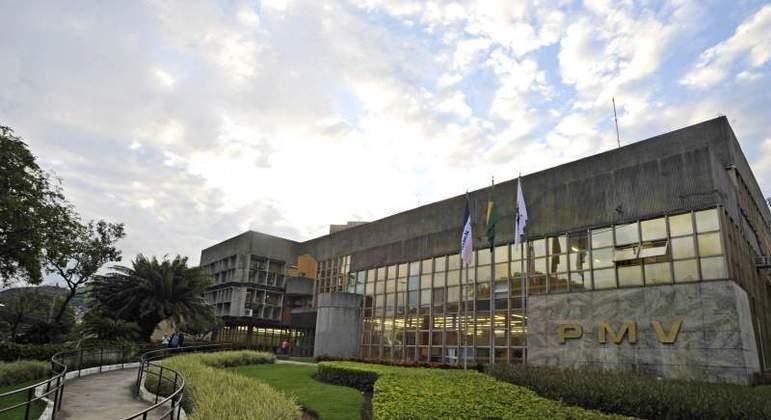 Prefeitura de Vitória suspende pagamento de impostos