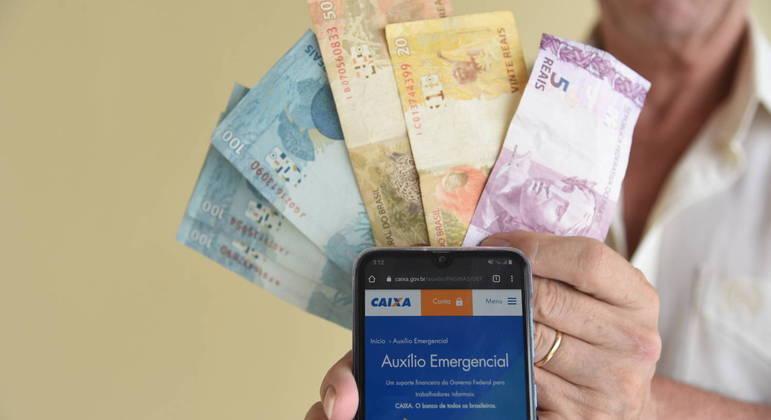 Auxílio emergencial será pago por quatro meses e deverá chegar ainda em março