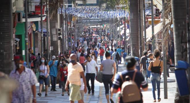 Reabertura do comércio de rua de Campinas, nesta segunda-feira, 27