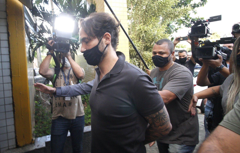 Câmara do Rio suspende salário de Dr. Jairinho após prisão - Notícias - R7  Rio de Janeiro