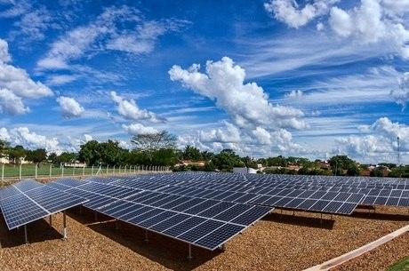 Resultado de imagem para FOTO DE ENERGIA SOLAR