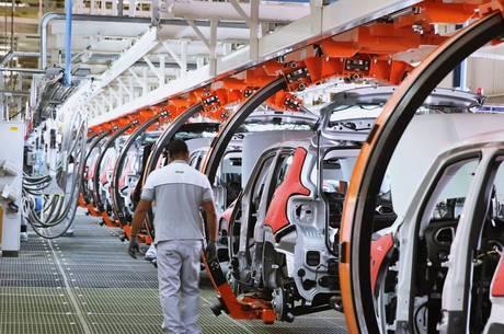 Produção de automóveis está em alta neste ano