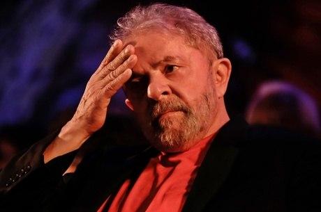 Lula está preso desde 7 de abril do ano passado
