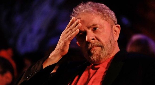 Lula deveria ser mantido em Curitiba para 58% dos brasileiros