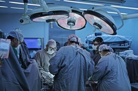Vagas foram abertas após saída dos médicos cubanos