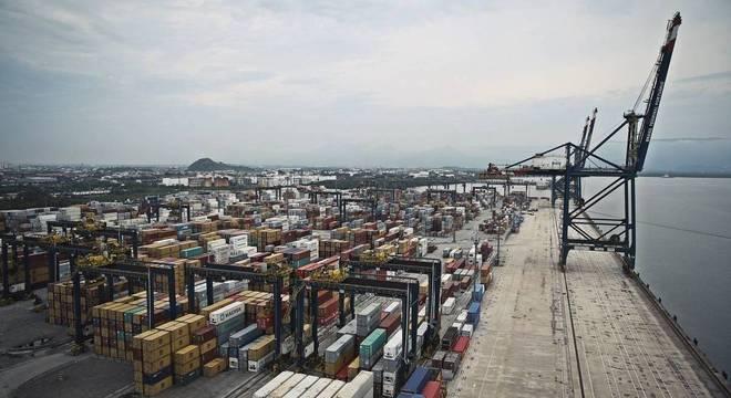 Resultado de imagem para Movimento de cargas no Porto de Santos sobe 4,4% em 2018