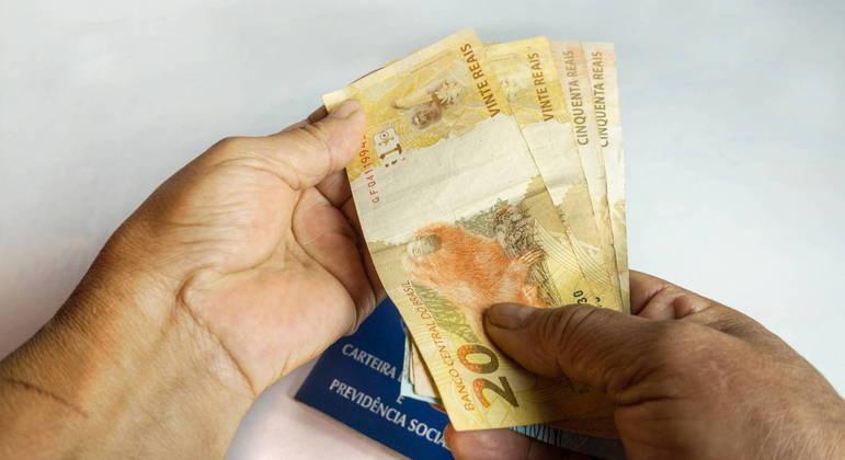 Salário mínimo ideal para não comprometer o orçamento do trabalhador seria de R$ 5.289,53