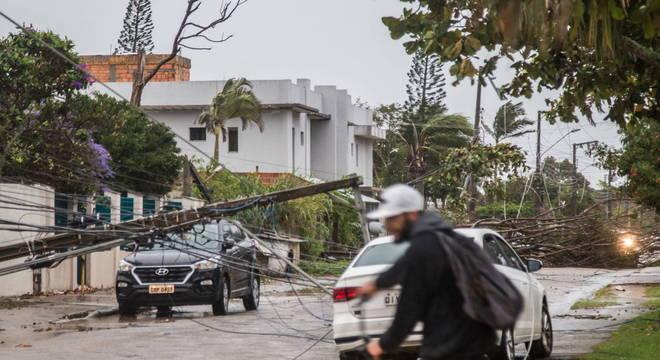 Ciclone bomba provoca mortes e estragos em Santa Catarina, no sul do país