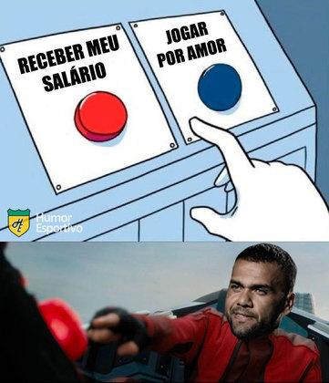 Fora do São Paulo, Daniel Alves protagoniza memes nas redes sociais