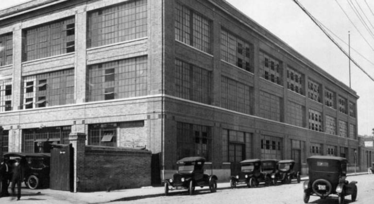 Fábrica da Ford no Bom Retiro, centro de São Paulo, nos anos 1920
