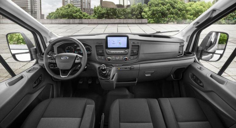 Multimídia tem conexão com Apple CarPlay e Android Auto