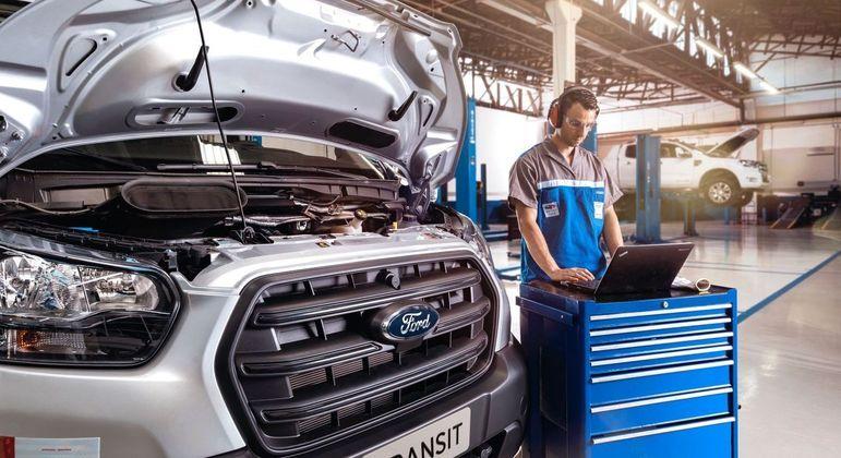 Programa Ford Pro tem uma equipe dedicada na manutenção do veículo