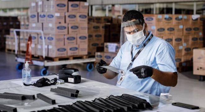 Produção de máscara é na própria fábrica