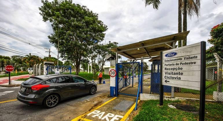 Fachada da Ford Brasil em Taubaté, interior paulista, onde são fabricados motores de caminhões.