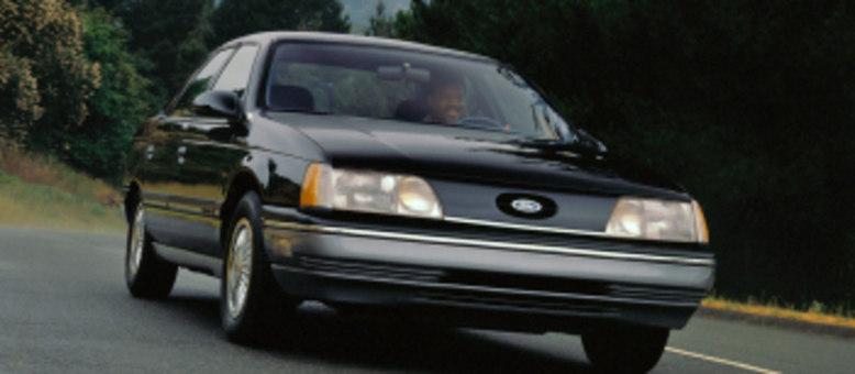 Taurus estreou em 1985 como resposta aos sedãs japoneses: outros tempos