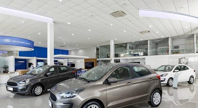 Maior espaço entre os carros do showroom e agendamento de clientes faz parte do Total Clean
