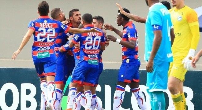 Fortaleza venceu o Goiás e se aproximou da vaga na Libertadores