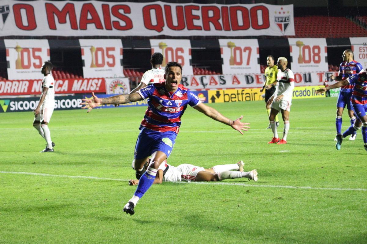 O Fortaleza controlou com tranquilidade o São Paulo. Venceu, 1 a 0, gol de Robson