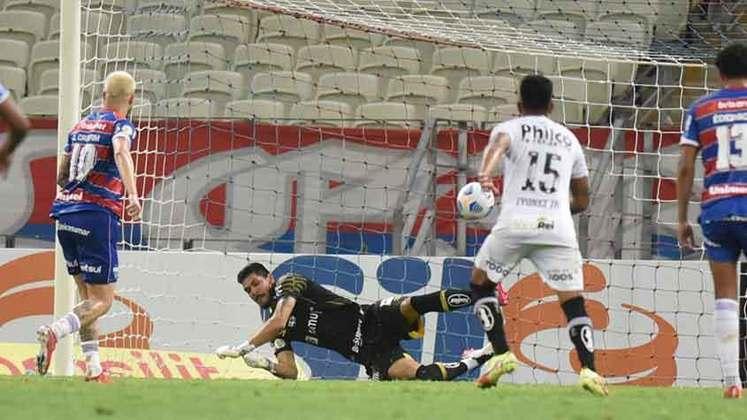 Fortaleza - O atacante Lucas Crispim foi de heroi a vilão do Fortaleza. Ele fez o gol da equipe, mas desperdiçou o pênalti nos acréscimos, que poderia dar a vitória ao time. Robson teve uma atuação bastante discreta na partida.