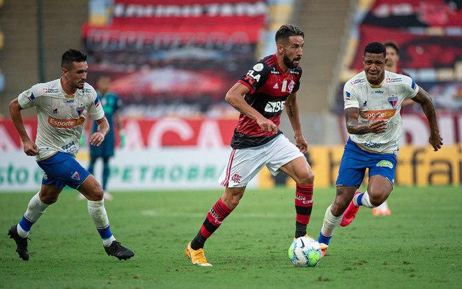 FORTALEZA - Sobe: Osvaldo sofreu o pênalti que originou o gol do Tricolor e ainda acertou uma bola no travessão. Foi o jogador mais perigoso do Leão. ////// DESCE: Felipe Alves, o goleiro, soltou uma bola no pé de Everton Ribeiro e deu o gol de presente ao Rubro-Negro. Além disso, Marlon perdeu duelos com atacantes do Flamengo e acabou substituído no início do segundo tempo.