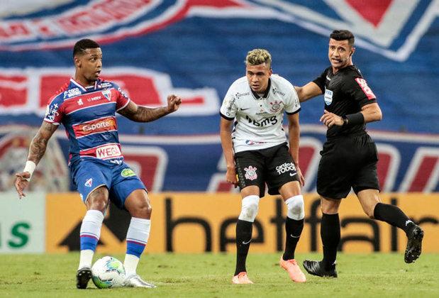 Fortaleza - Sobe: Souberam anular bem o ataque do Corinthians e Jô mal teve oportunidades de fazer algo com a bola. / Desce: Muitas chances desperdiçadas na frente do gol e que poderiam ter mudado o rumo do jogo.