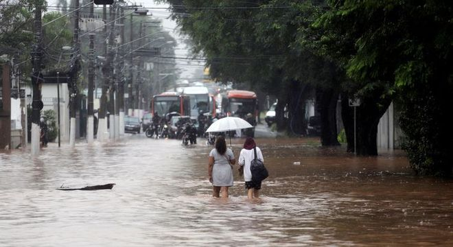 Em Taboão da Serra, 32 pessoas ficaram desalojadas