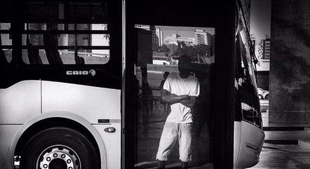 Exposição traz fotografias do cotidiano da capital paulista