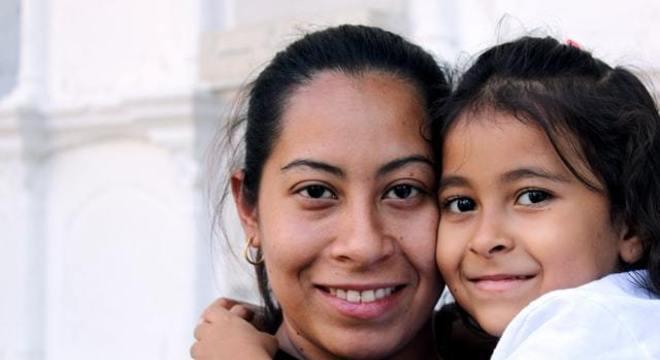 Mães solteiras recebem o auxílio emergencial em dobro