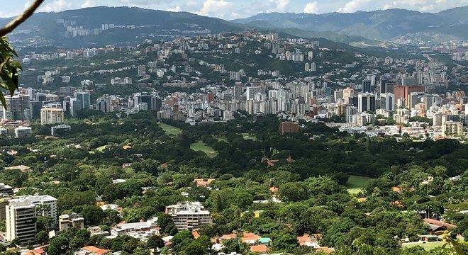 O Country Club fica localizado em pleno centro geográfico da capital venezuelana