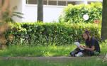 A Fuvest aplica neste domingo 10, a prova da primeira fase do Vestibular 2021 para estudantes que almejam ingressar na Universidade de São Paulo (USP). Ao todo, mais 130 mil inscritos estão de olho em uma das 11.147 vagas disponíveis em diversos cursos de graduação - são 8.242 vagas destinadas via vestibular e outras 2.905 por meio do Sistema de Seleção Unificada (Sisu), com notas do Exame Nacional do Ensino Médio (Enem). Na foto candidatos na Puc Campus I em Campinas (SP).   Foto: LEANDRO FERREIRA/FOTOARENA/ESTADÃO CONTEÚDO FTA20210110063 - 10/01/2021 - 11:21
