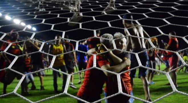 Fotógrafos Paullo Allmeida e Ed Machado capturam imagens que retratam a comemoração pelo acesso