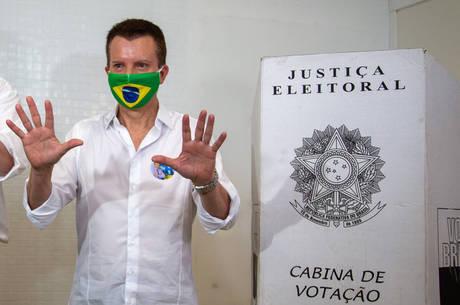 Russomanno vota em São Paulo nesta manhã