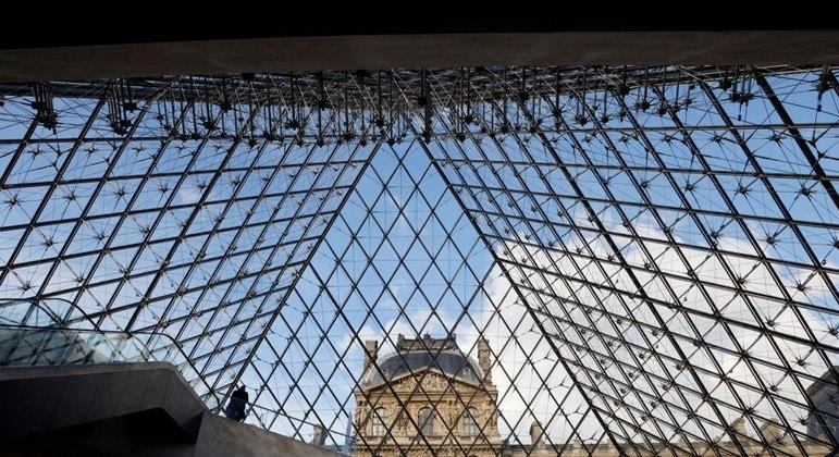 França inicia flexibilização das restrições para conter covid-19 em 19 de maio