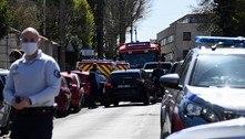 Homem esfaqueia funcionária de polícia na França e é morto
