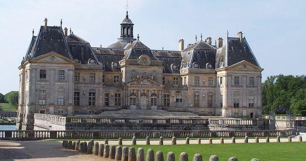Ladrões roubam joias avaliadas em R$ 9 milhões de castelo na França