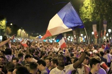 População se reconhece na seleção francesa