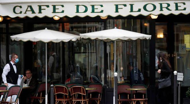 Governo francês vai anunciar medidas nesta terça-feira (13)