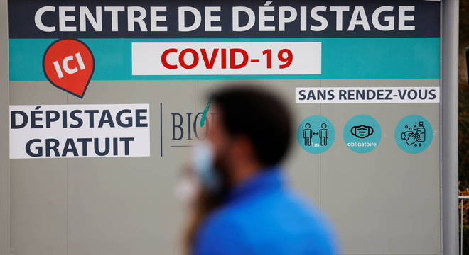 Número real de infecções na França chega a 100 mil, segundo especialistas