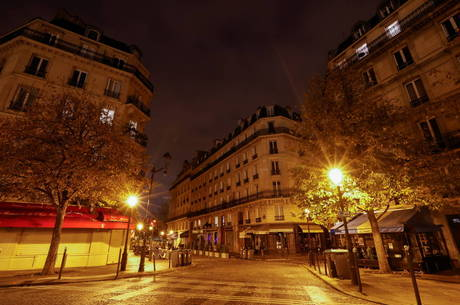 Paris com lockdown decretado