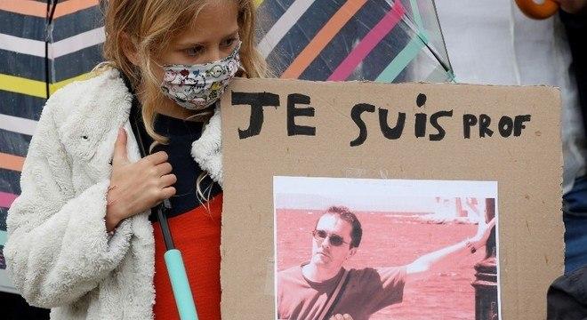 Assassinato de Samuel Paty causou indignação na França