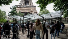 Visitante sem passaporte sanitário terá de fazer teste na Torre Eiffel
