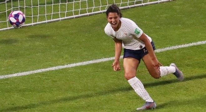 Gauvin comemora gol da França contra o Brasil