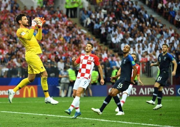 As tentativas croatas, no entanto, não passavam porLloris, que não se abateu com a falha