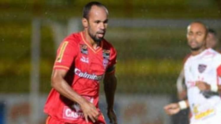 Francis - O lateral-direito daquele time permaneceu por mais uma temporada no Audax e se aposentou