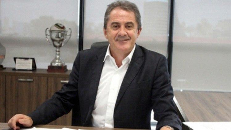 Francisco Novelletto – É ex-presidente da Federação Gaúcha de Futebol. Novelletto é elogiado entre os dirigentes, menos quando tem relação com o Internacional. Apesar de não ter o seu nome criticado diretamente, sua gestão foi alvo de críticas por